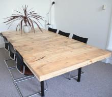 Meeting Table – De Zuster